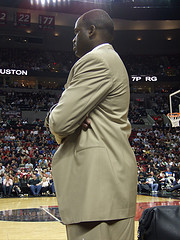 I can't see Nate  Originally uploaded by themarioblog. My friends Jerry, Charlie, Garth and Arielle came to town this weekend from Seattle. Jerry came along with a pair of press table tickets for the Blazers vs. Clippers game at the Rose Garden. Sitting a foot away from the court is pretty unbelievable especially considering that most of the players are about a foot taller than I. The only downside with sitting at the press table is that my view was often obstructed by Mr. Nate McMillan who was trying to coach our team. Considering that we were down by 30 points in the first half, Nate might as well have stayed in his seat.