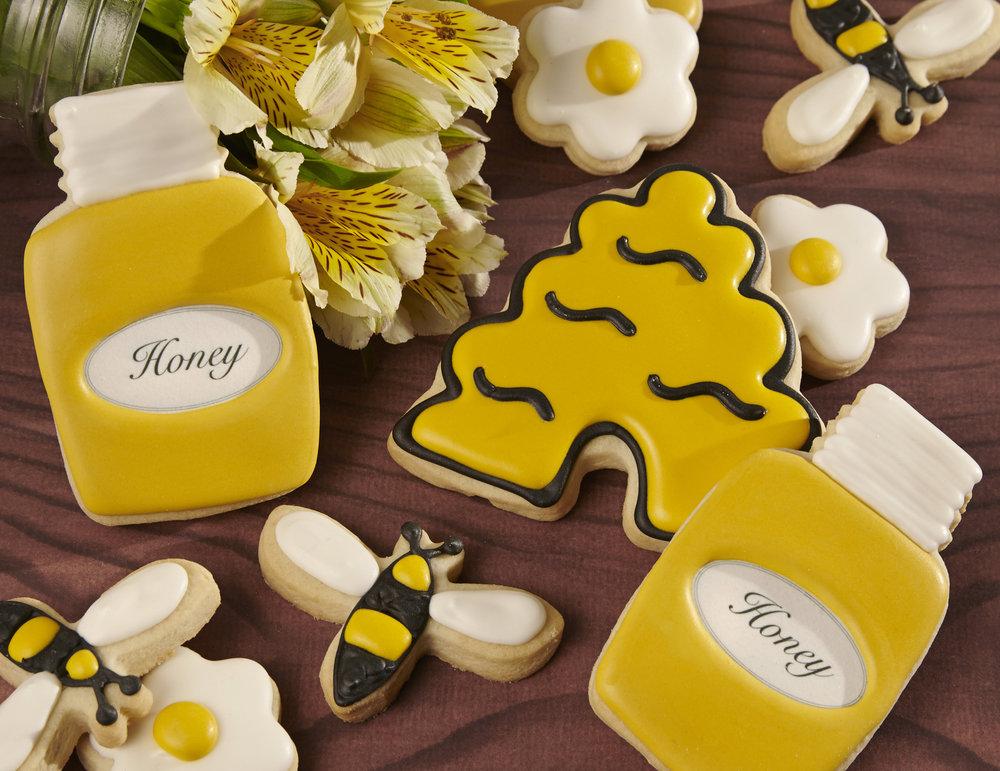 Honey jars_bees.jpg