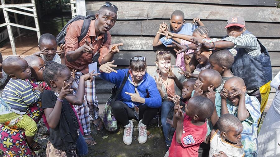 Yves, Marie und Jana mit Kids in Organisation Sangoa/Goma/DRC