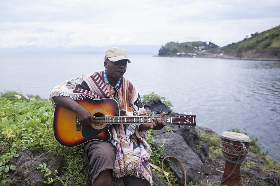 Musiker Tonton beim Dreh des Musikvideos