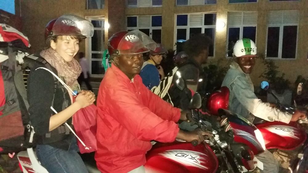 Mit Sack und Pack auf'm Moto durch Goma