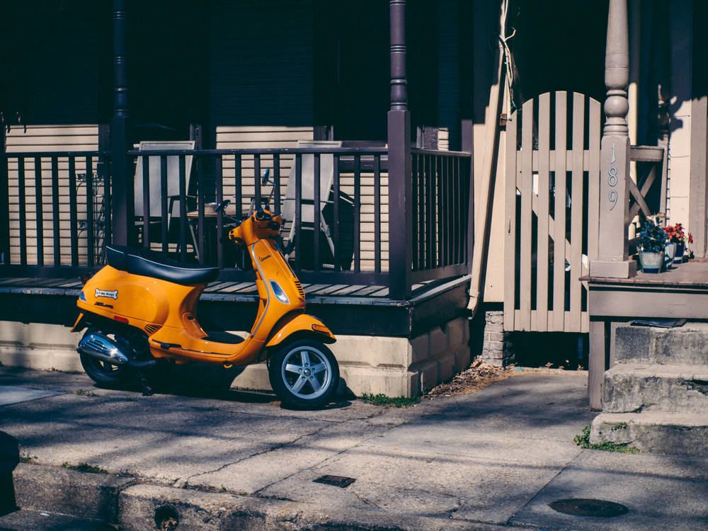 Scooter - Olympus OM-D, Voigtlander Nokton 35mm - ISO 200, f/4.0, 1/500sec