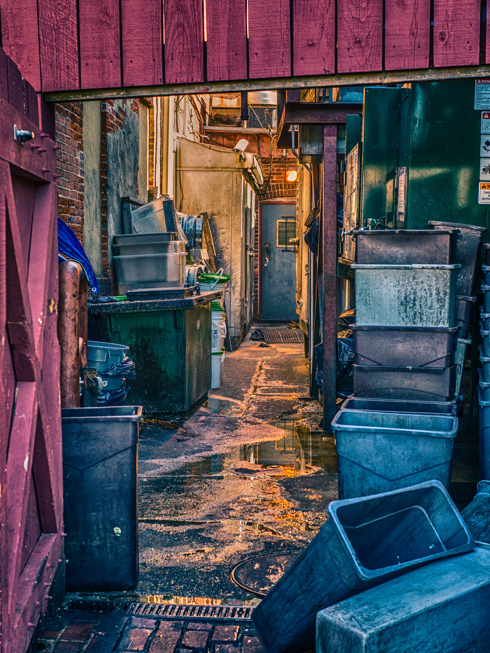 Dumpster Alley - Panasonic GH3, 25mm Summilux f/1.4 - ISO 200, f/4.0, 1/125sec
