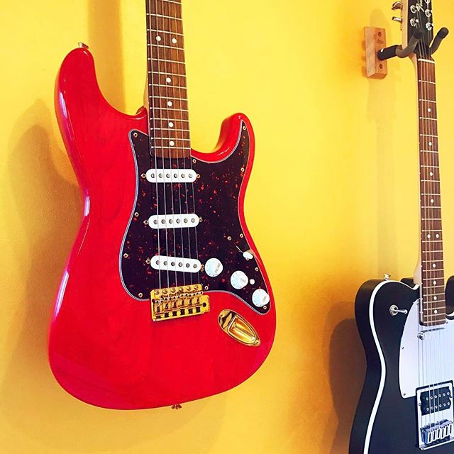 Say Hello to my first Stratocaster. After six years, she's back in my arenosol. That Crimson Red Transparent & Gold Hardware. Yum. Let's strum! #fender #fenderstratocaster #stratocaster #strat #telecaster #tele #goldhardware #gold #hardware #tortoiseshell #crimsonredtransparent #crimson #red #transparent #kateball