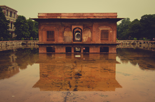View of Zafar Mahal in the middle of the gardens