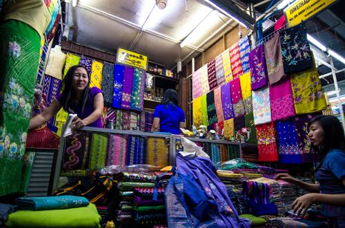 A longyi store at Bogyoke market.
