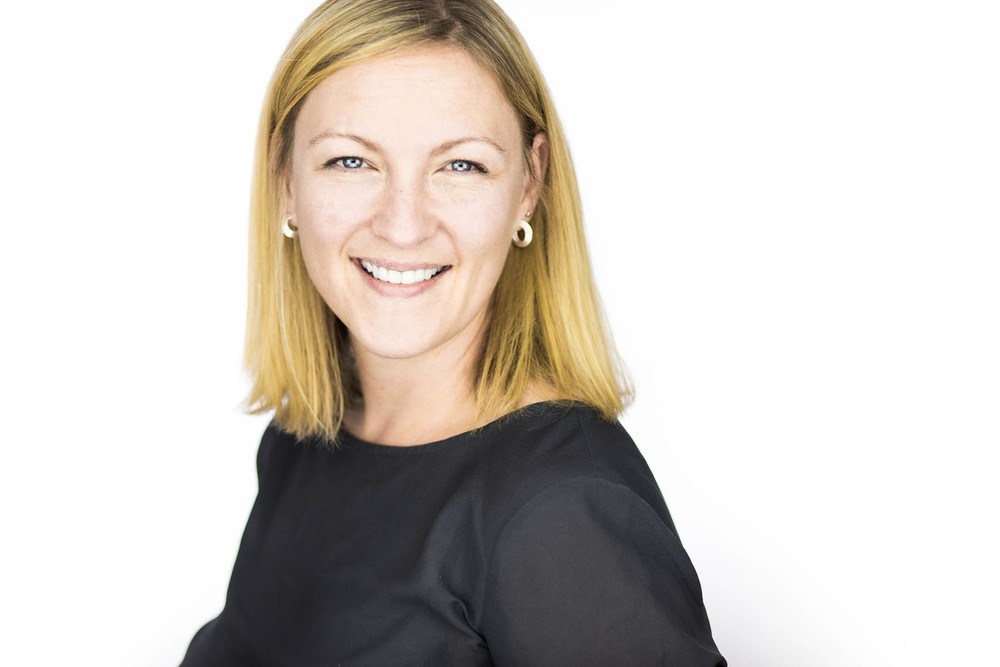 A professional headshot session for Lynne, a local medical professional for her Linkedin and online networks by Andre Goosen for Boem Headshots, the premier headshot and corporate photographer based in Adelaide.