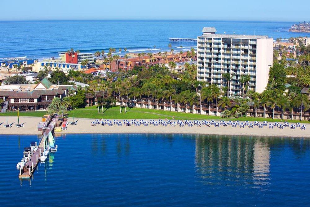Photo taken from  https://www.booking.com/hotel/us/catamaran-resort-and-spa.html