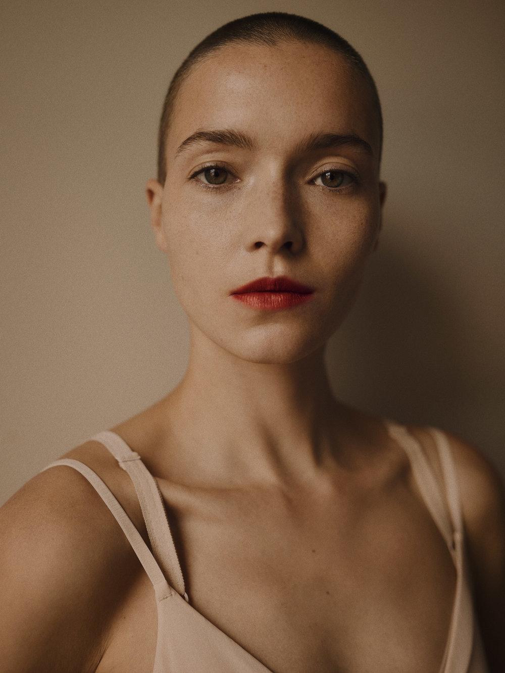 Nina de Raadt nude photos 2019