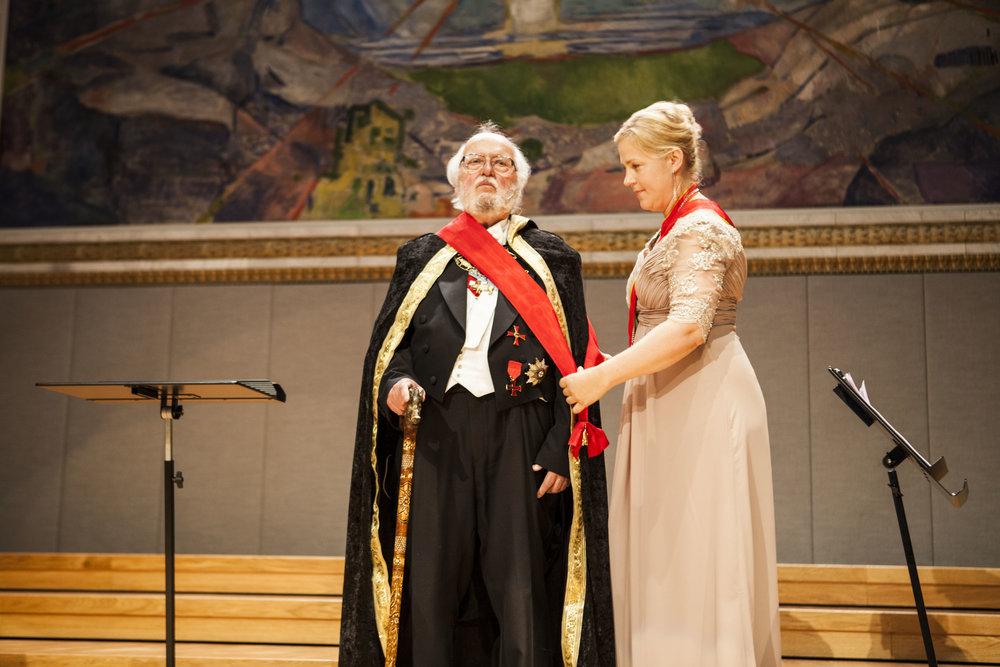 Utnevnt til Storkors av Hans Majestet Den Gyldne Gris ved 200-års jubileet for Det Norske Studentersamfund