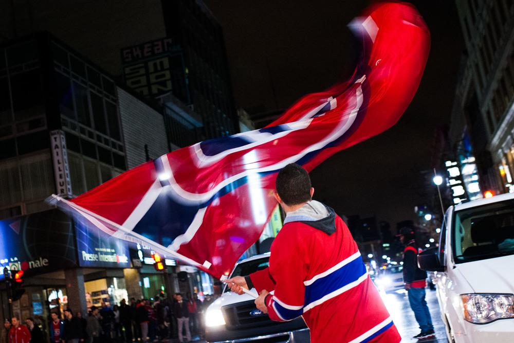 Rassemblement spontané suite à la victoire du Canadien de Montréal en séries éliminatoire face au Lightning de Tampa Bay mercredi le 23 avril 2014.
