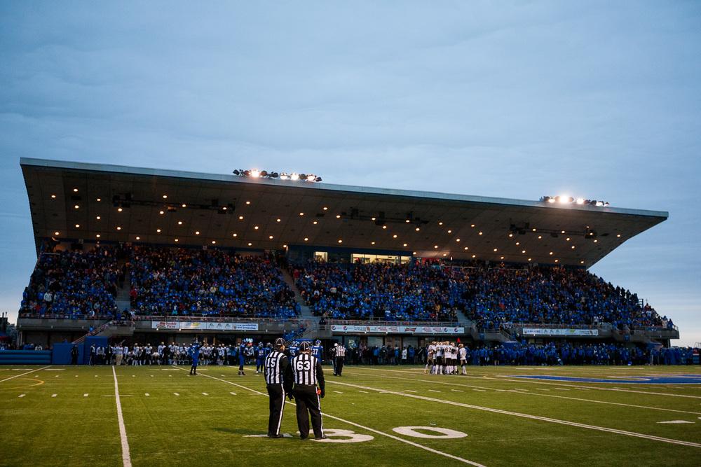 La partie s'est déroulée à guichets fermés au stade du CEPSUM.