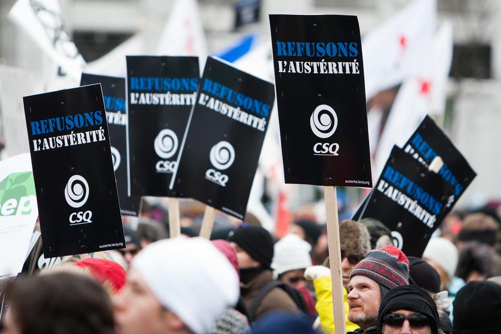 """Les différents syndicats s'étaient tous regroupés sour la bannière """"Refusons l'Austérité"""" bien qu'ils aient conservés leurs couleurs."""