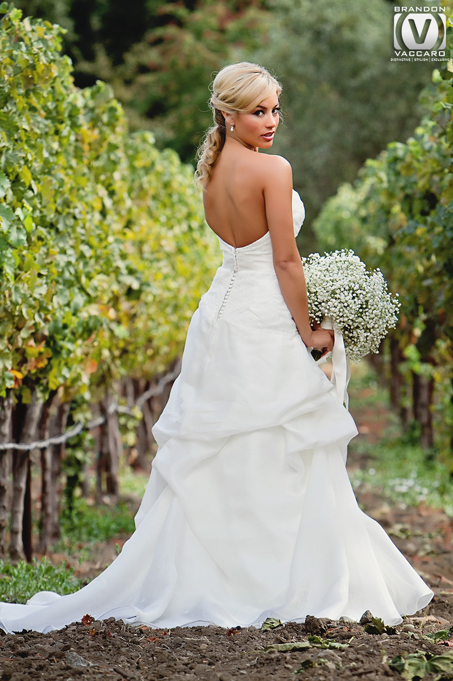 real-wedding-vintage-estate-yountville-bride.jpg