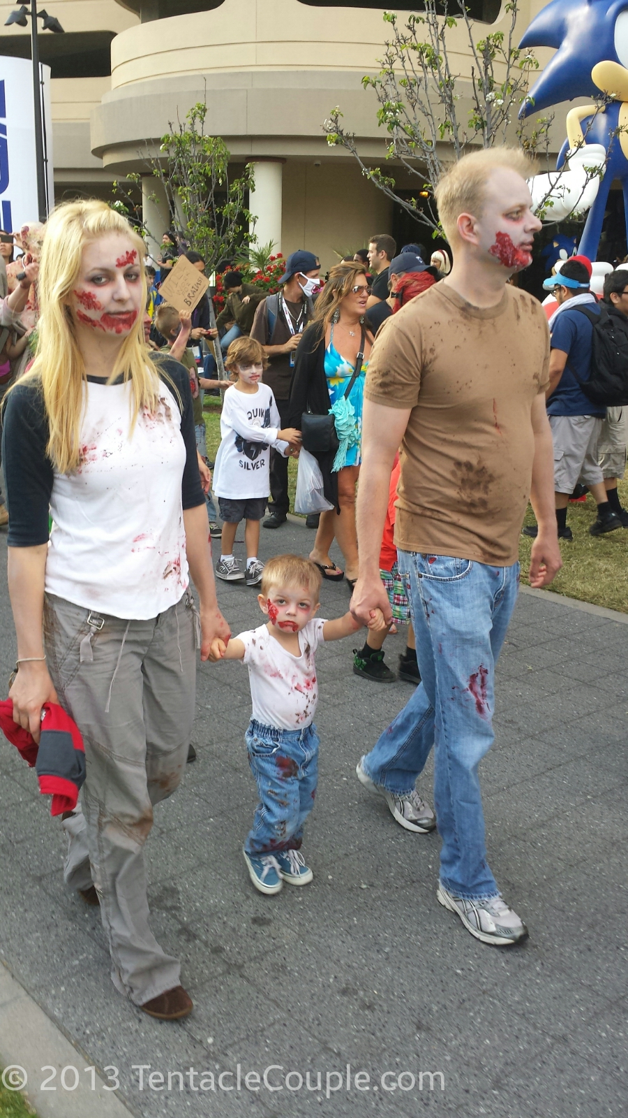 San Diego Comic-Con 2013 - Zombie Family