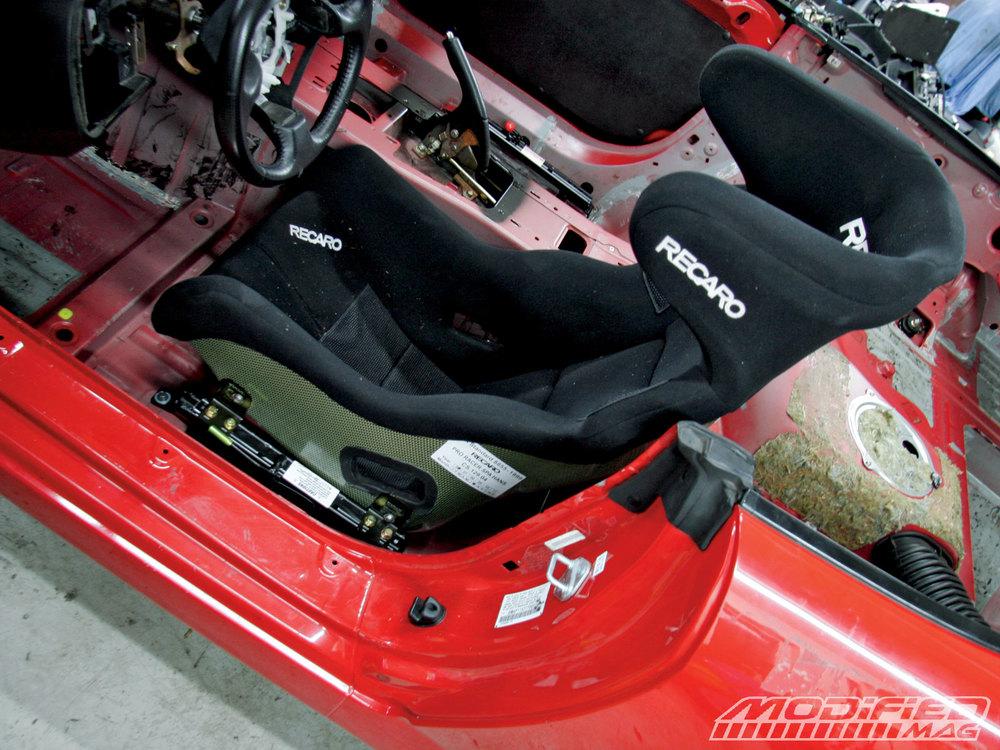 modp_0905_04+honda_s2000_race_prep+recaro_spa_seat.jpg