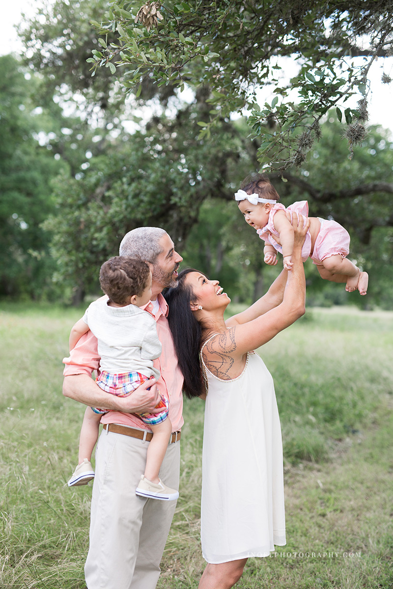 Family Photographer Austin Texas 1.jpg