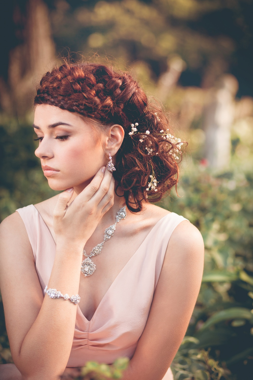 Acanthus Halo-necklace  +  Earrings  +  Bracelet