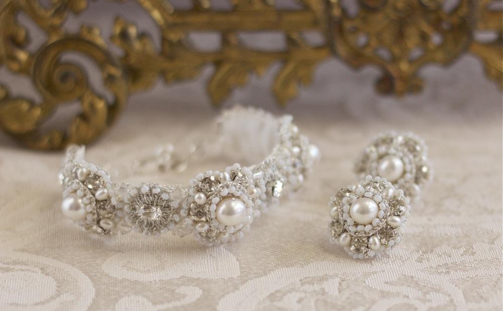 vintage-crystal-pearl-bridal-bracelet-earring-set