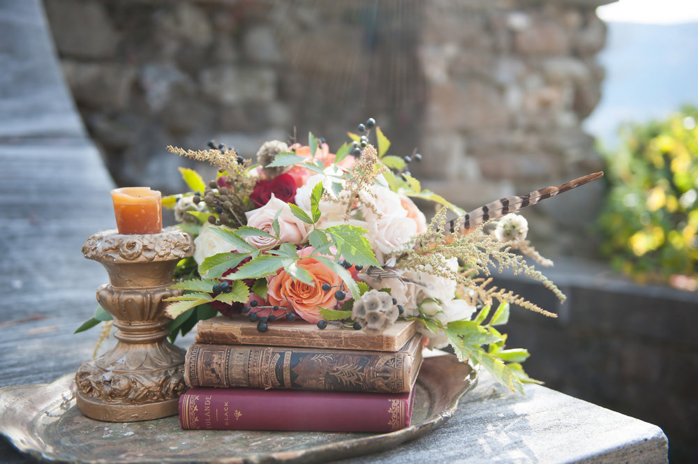 elizabethan-shakespeare-wedding-inspiration-bouquet