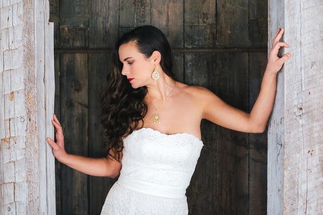 gold-lace-wedding-jewelry-1.jpg