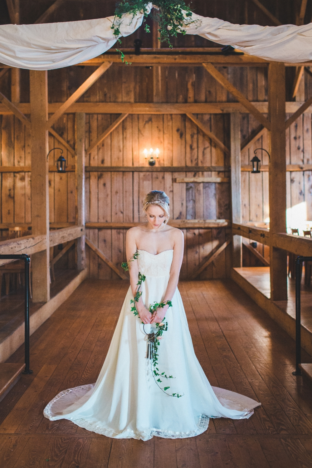 romantic-barn-wedding-inspiration