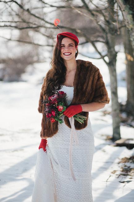 new england winter wedding inspiration | lace bridal jewelry