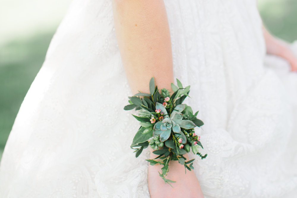 Apple Blossom Vermont Wedding Inspiration | Bridal Jewelry