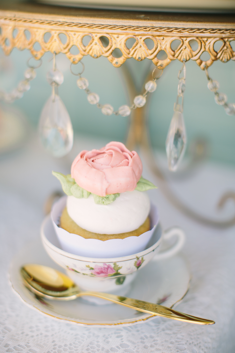 Pastel Pink Vintage Tea Party Wedding Inspiration | Edera Jewelry Blog