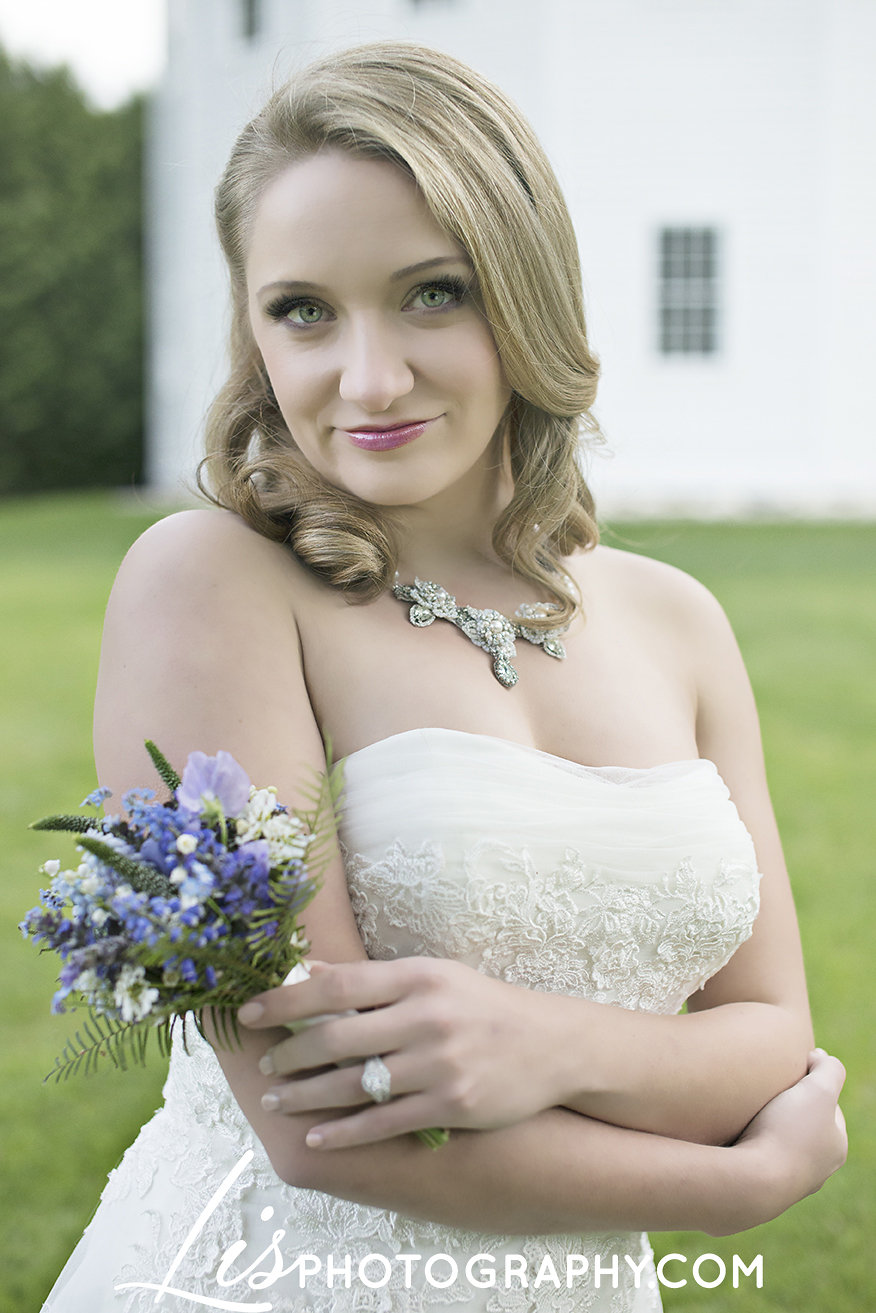 Rustic Lavender Church Wedding Inspiration | Edera Jewelry Blog