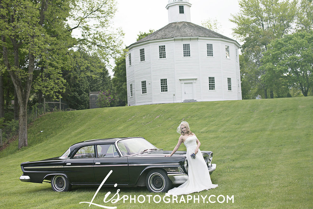 Vintage, 1950s Wedding Inspiration at the Old Round Church, VT | Edera Jewelry Blog