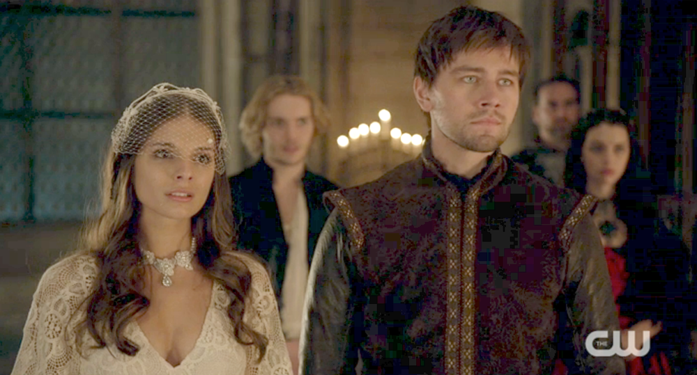 CW-Reign-Kenna-Pearl-Wedding-Necklace