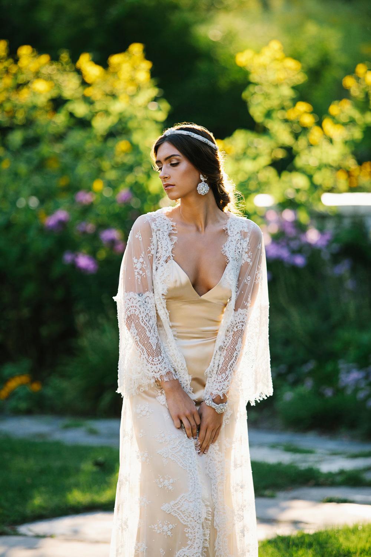 wedding-earrings-pearl-statement-clip-on-ravenna-4.jpg