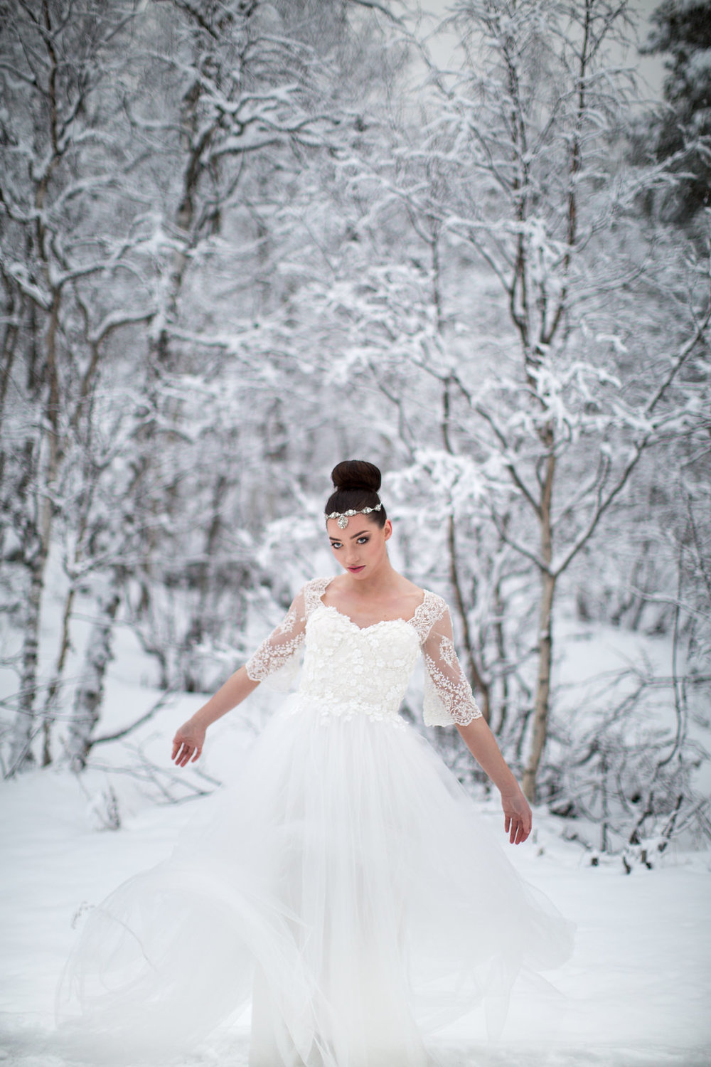 Edera Jewelry Blog | Winter Wedding Gown and Headpiece