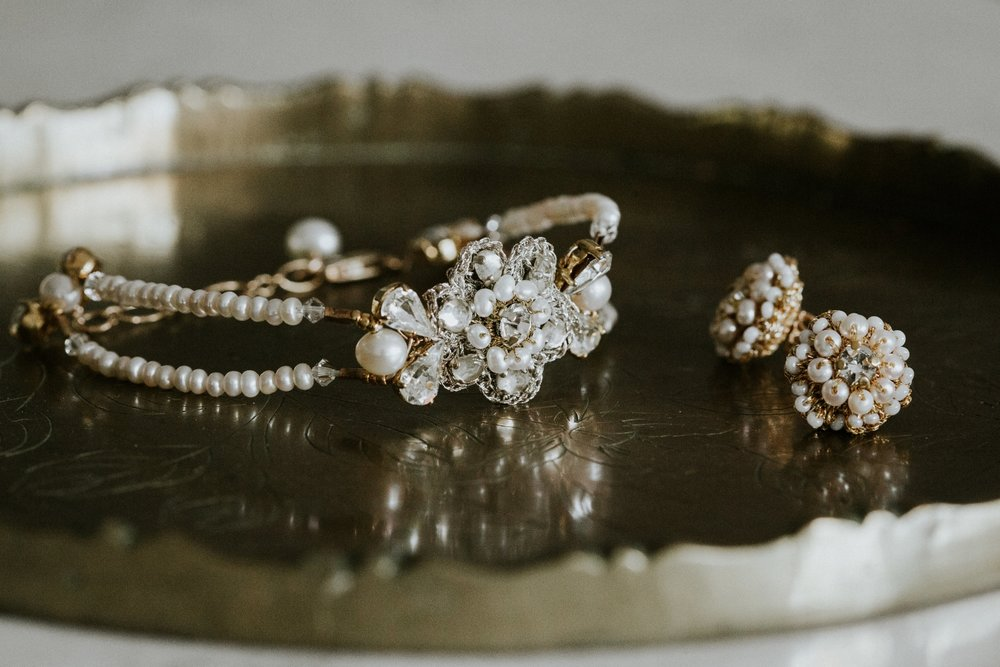 Edera Jewelry Blog: Bohemian Gold & Pearl Wedding Earrings and Bracelet