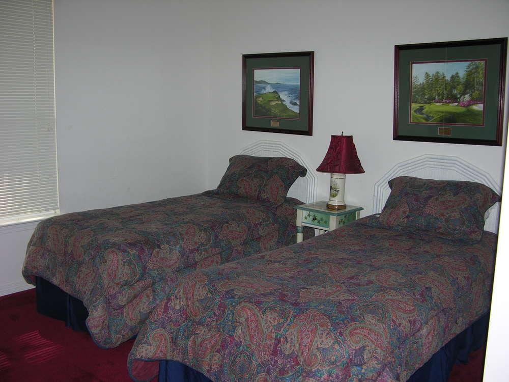 205A2bedroom.JPG