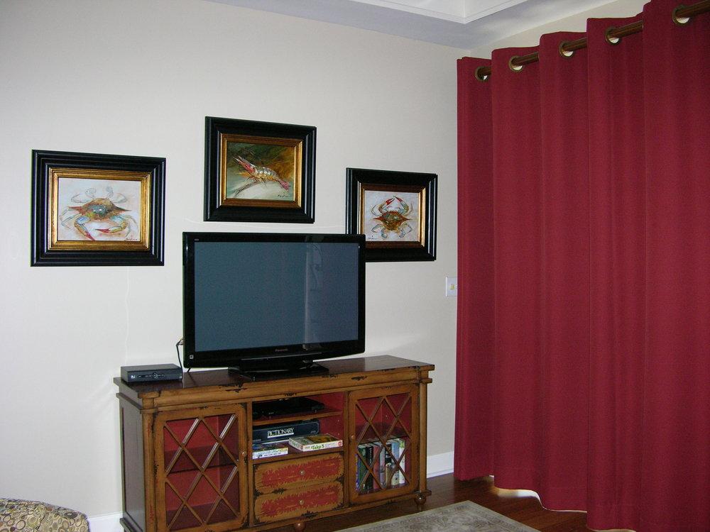 B-201 livingroom tv.JPG