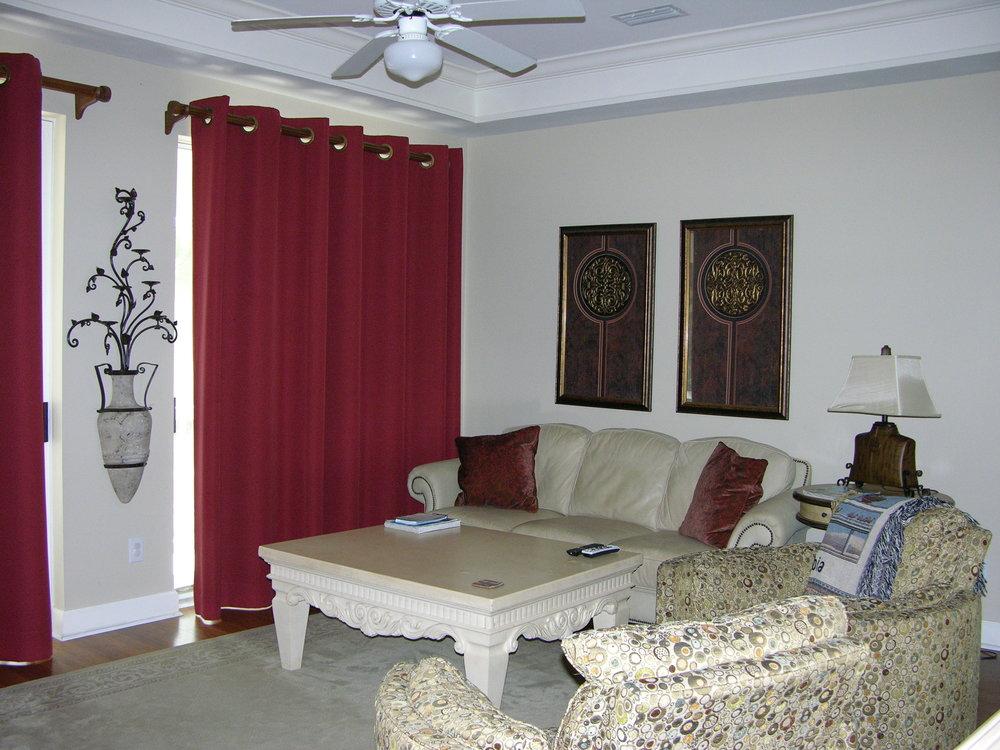 B-201 Livningroom.JPG