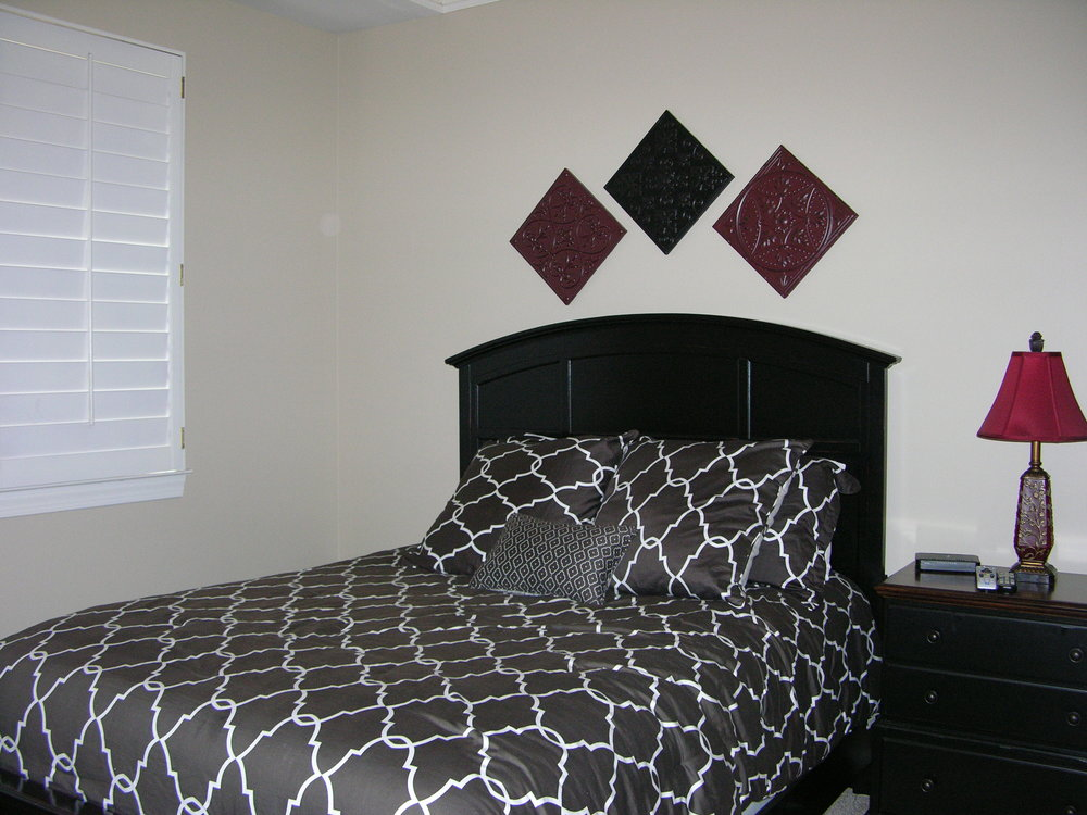B-201 1st bedroom.JPG
