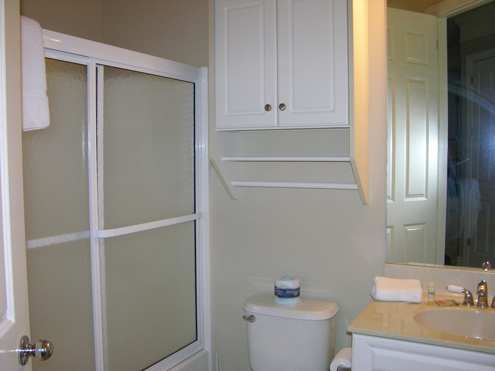 B-201Small bathroom.JPG