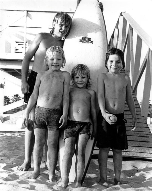 vintage-venice-beach-surf-photo-1978-thrift-family.jpg