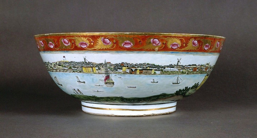 Chinese export ware punchbowl featuring a scene of Sydney Cove before 1820