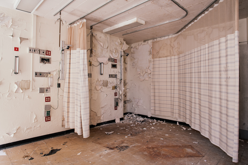 Patient Room    |    Michael Reese Hospital (Demolished)    |    Chicago, Illinois