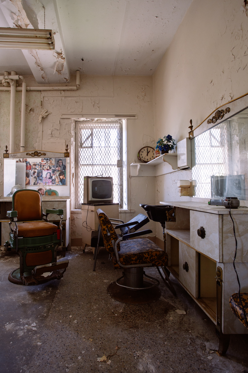 Beauty Parlor    |    Trenton State Hospital    |    New Jersey