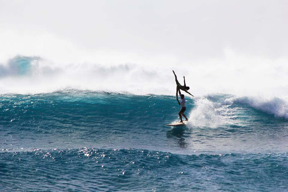 Tandem Surfing | Arabesque | Hawaii