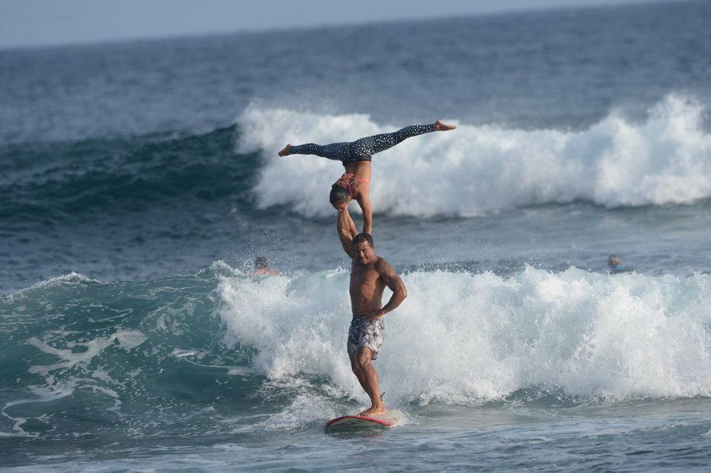 Tandem surf handstand