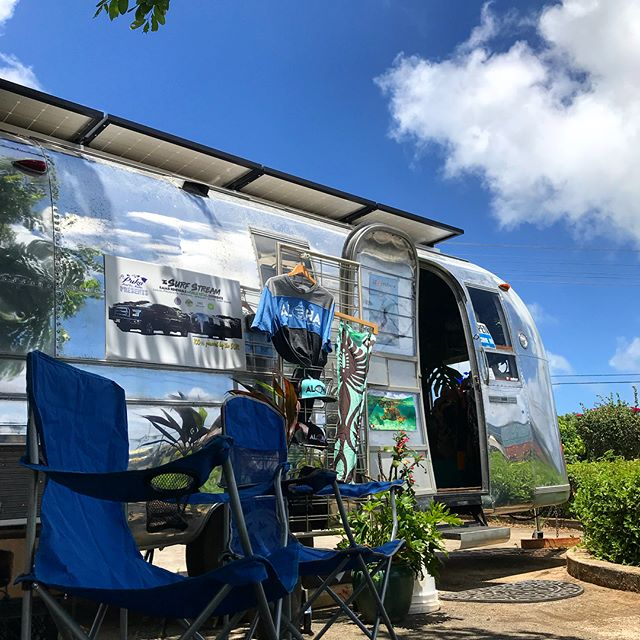 Come find us today soakin' up the sun down Kalapaki in front of Kauai Athletic Club ☀️☀️☀️☀️☀️☀️ #mobileretail #Pukasurfalert