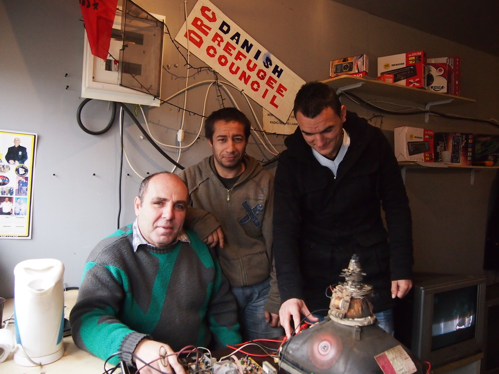 Luani and apprentices, Roma Mahalla, Mitrovica