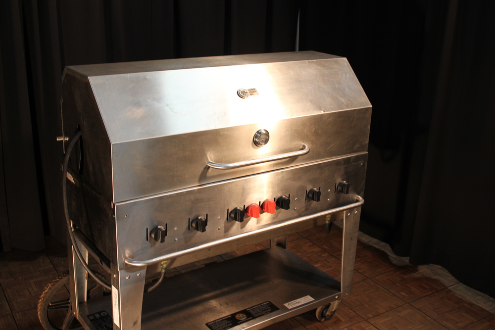 BBQ 4' 6 Burners (needs 2 tanks - extra) $ 130.00