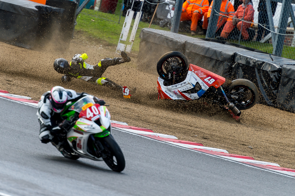 BSB Brands Hatch October 2015 - Superstock 1000 - Matt Pearce (Kawasaki 1000) crashes at Clearways-3.jpg